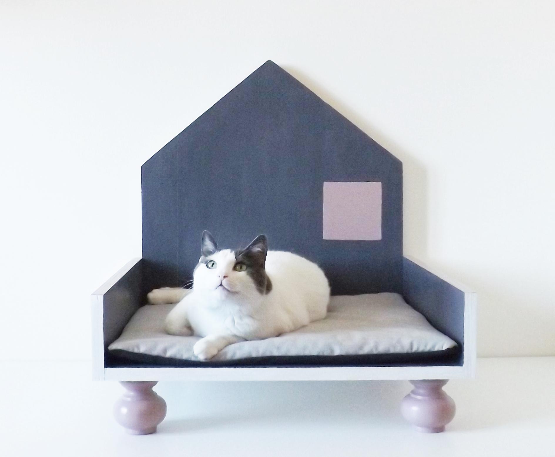 Cucce Design Per Cani cuccia di design in legno per gatti e cani di taglia piccola _ color grigio  antracite, rosa cipria e bianco