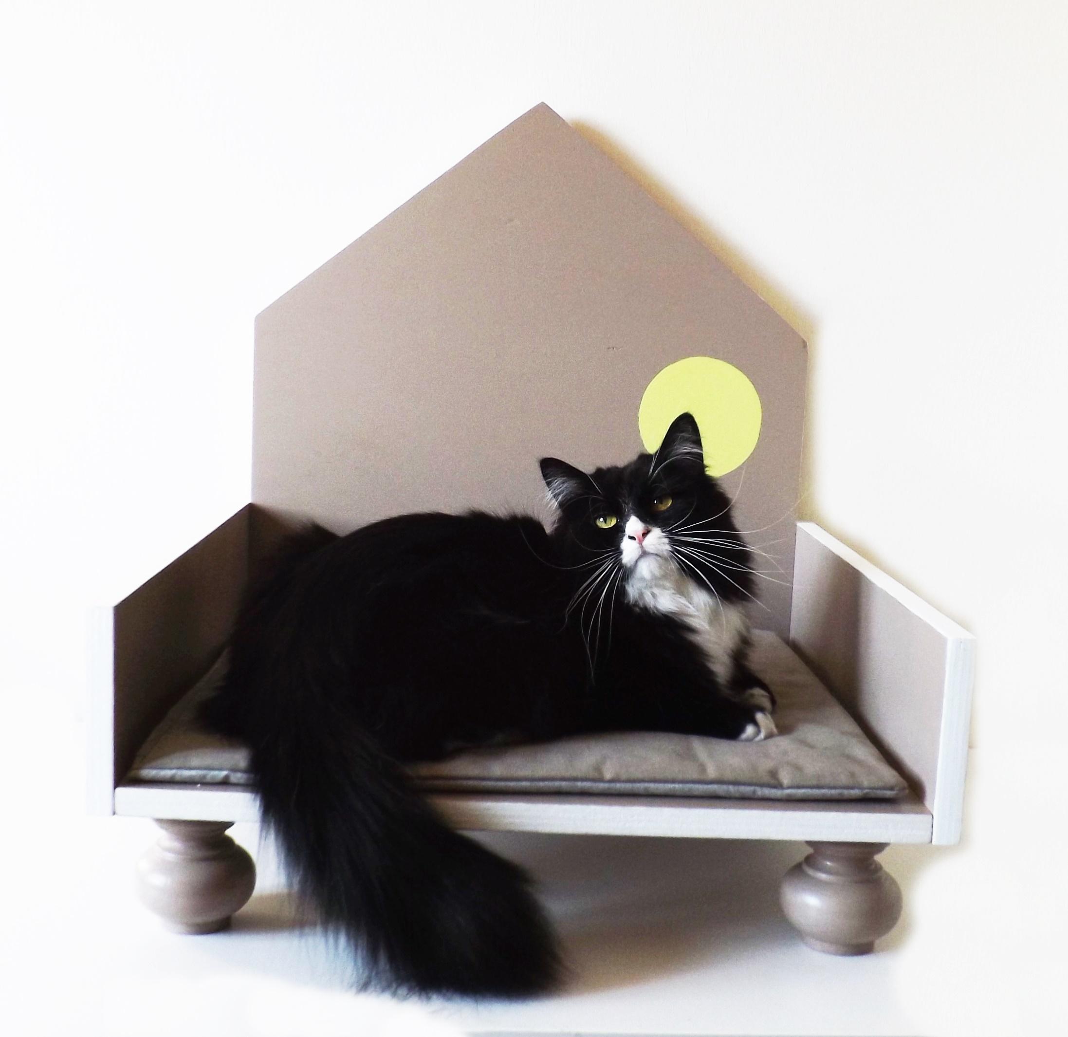Cucce Design Per Cani cuccia di design in legno per gatti e cani di taglia piccola taglia s_  colore grigio talpa e bianco con pois gialli